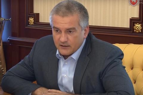 Руководитель Крыма пообещал свезти сор сосвалок кдомам чиновников